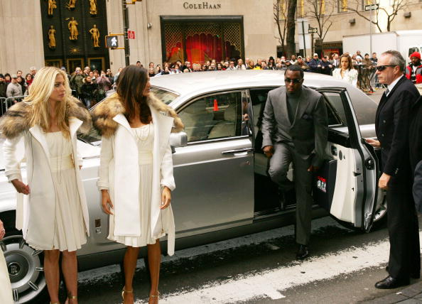 """Textured「Sean 'Diddy' Combs Delivers First Bottle Of """"Unforgivable"""" to Saks」:写真・画像(17)[壁紙.com]"""