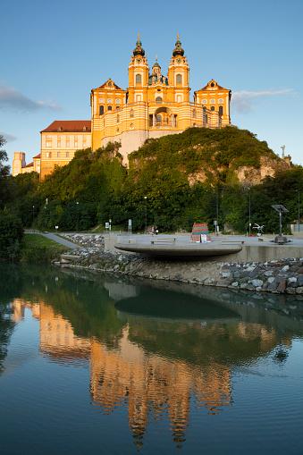 UNESCO「Austria, Lower Austria, Melk, Melk†Abbey reflecting in Danube River at dusk」:スマホ壁紙(17)