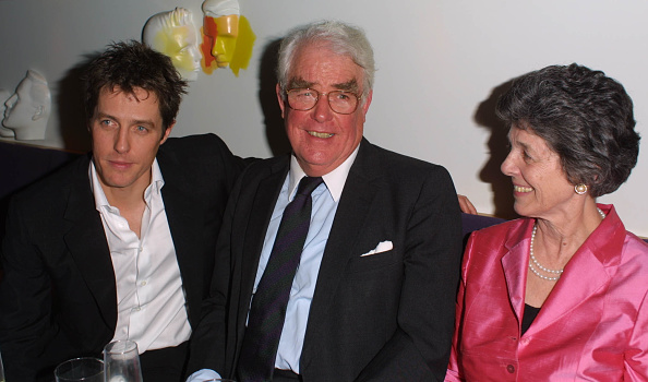 Parent「Hugh Grant and parents at Bridget Jones's Diary party」:写真・画像(7)[壁紙.com]