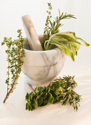 Mortar and Pestle「Mortar and pestle with herbs」:スマホ壁紙(15)