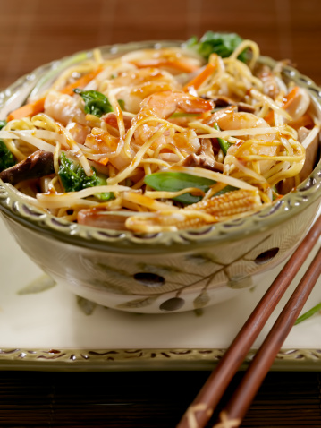 Bean Sprout「Shrimp And Vegetable Stirfry with Noodles」:スマホ壁紙(8)