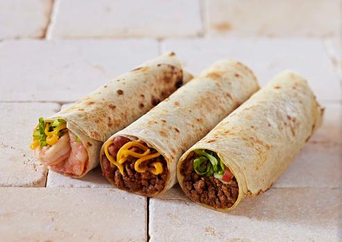 Stuffed「Shrimp and Ground Beef Burritos on tile」:スマホ壁紙(11)