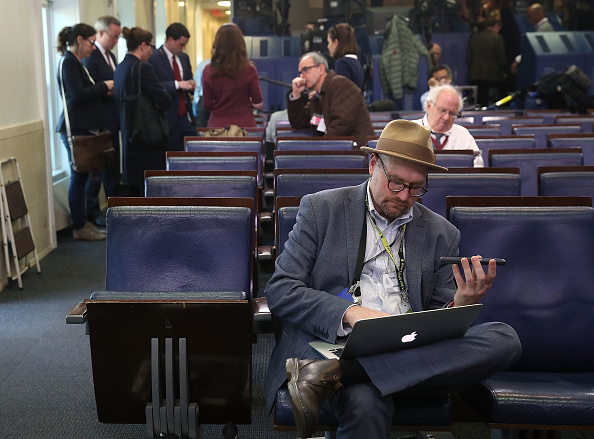 プレスルーム「Reporters From Multiple News Organizations Blocked From An Off-Camera White House Press Briefing」:写真・画像(17)[壁紙.com]