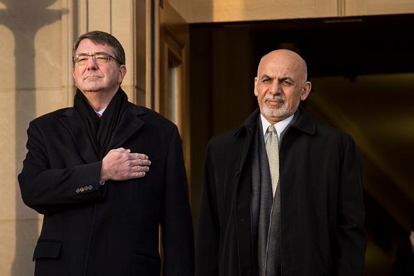 Drew Angerer「Defense Secretary Ash Carter Hosts Honor Cordon For Afghan President Ghani At Pentagon」:写真・画像(5)[壁紙.com]