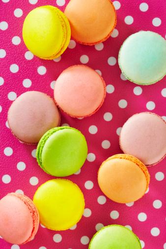 Cookie「Colorful macaroons」:スマホ壁紙(12)