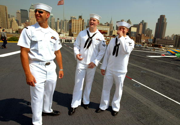 Sailor「Sailors Descend Upon New York During Fleet Week」:写真・画像(8)[壁紙.com]