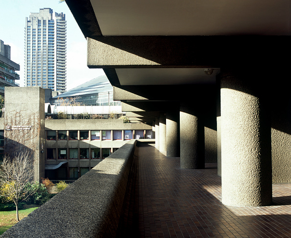 Ugliness「Barbican Estate, London. View towards the Arts Centre from the podium below Speed House.」:写真・画像(19)[壁紙.com]