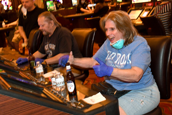 Las Vegas「Nevada Casinos Reopen For Business After Closure For Coronavirus Pandemic」:写真・画像(5)[壁紙.com]
