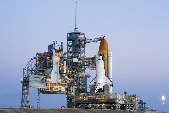 Kibo - ISS Module「Space Shuttle Endeavour Rolls Out To Launch Pad」:写真・画像(5)[壁紙.com]