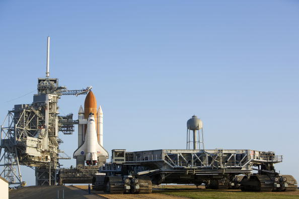 Kibo - ISS Module「Space Shuttle Endeavour Rolls Out To Launch Pad」:写真・画像(6)[壁紙.com]
