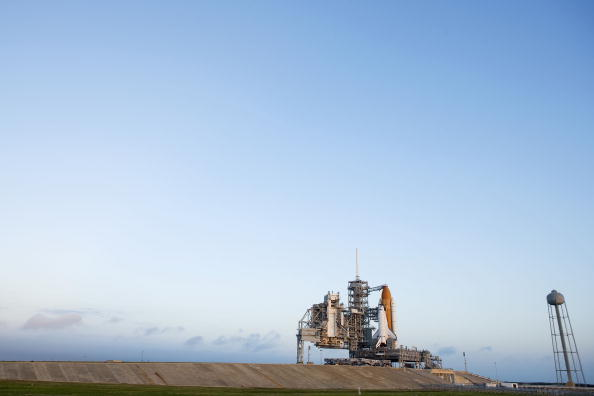 Kibo - ISS Module「Space Shuttle Endeavour Rolls Out To Launch Pad」:写真・画像(8)[壁紙.com]