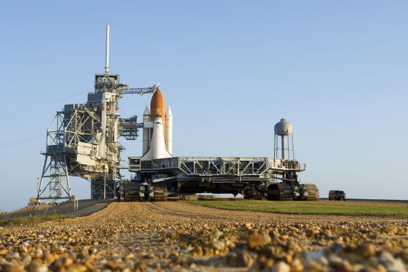 Kibo - ISS Module「Space Shuttle Endeavour Rolls Out To Launch Pad」:写真・画像(13)[壁紙.com]