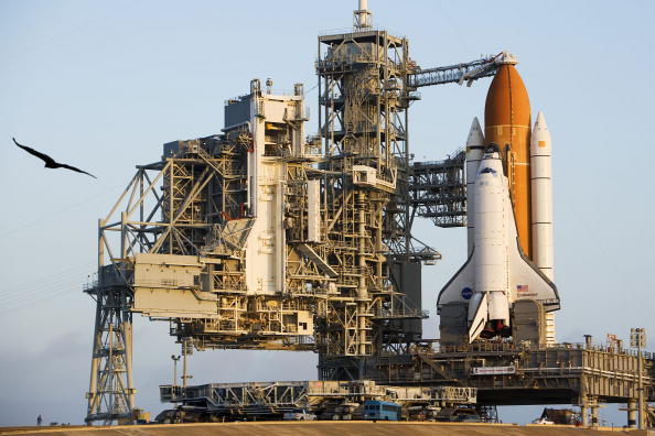 Kibo - ISS Module「Space Shuttle Endeavour Rolls Out To Launch Pad」:写真・画像(4)[壁紙.com]