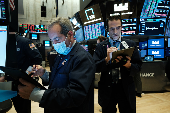 Trader「NYSE Closes Trading Floor, Moves To Fully Electronic Trading Amid Coronavirus Pandemic」:写真・画像(8)[壁紙.com]