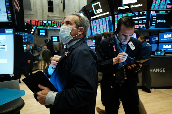 Trader「NYSE Closes Trading Floor, Moves To Fully Electronic Trading Amid Coronavirus Pandemic」:写真・画像(17)[壁紙.com]