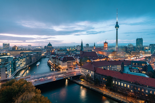 Cathedral「blue hour over Berlin cityscape」:スマホ壁紙(19)