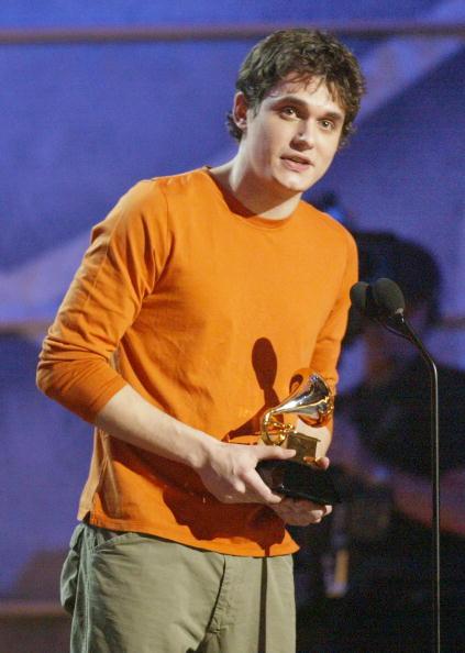 男「45th Annual Grammy Awards」:写真・画像(2)[壁紙.com]