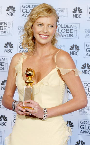 2004「61st Annual Golden Globe Awards - Pressroom」:写真・画像(16)[壁紙.com]