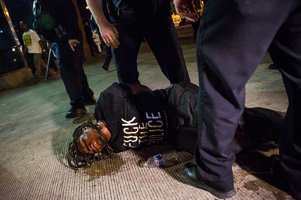 Andrew Burton「Rally Held In Baltimore Day After Charges Announced Against Officers Involved In Freddie Gray Death」:写真・画像(11)[壁紙.com]