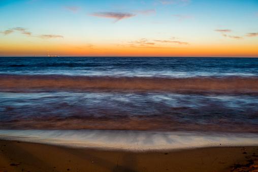 Waimea Bay「Sunset at North Beach, Perth, Western Australia」:スマホ壁紙(18)