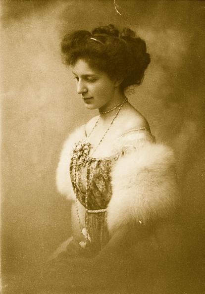 Edwardian Style「Fur Stole」:写真・画像(4)[壁紙.com]