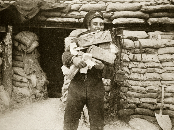 Package「The Mail Arrives During The Battle Of The Somme France World War I 1916」:写真・画像(19)[壁紙.com]