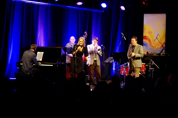 Musical instrument「Jack Kendon Quartet with Pete Hill (drums), Jack Kendon (Tpt) and Julian Nicholas (Sax), Ropetackle  Artist: Brian O'Connor」:写真・画像(1)[壁紙.com]