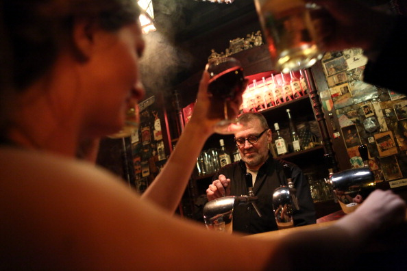 Honor「Real Estate Boom Threatens One Of Berlin's Oldest Taverns」:写真・画像(17)[壁紙.com]