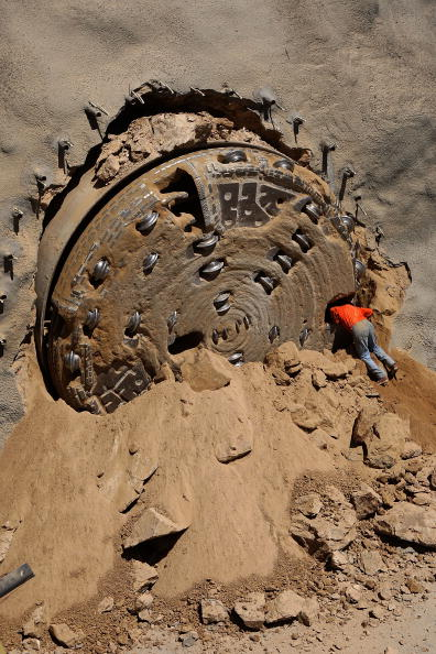 San Bernardino National Forest「New Four-Mile Tunnel To Deliver Water To Southern California」:写真・画像(9)[壁紙.com]