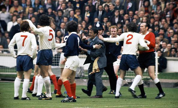 Reaching「England v Scotland Home Internationals 1973」:写真・画像(1)[壁紙.com]