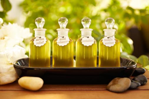 Aromatherapy Oil「Massage oil bottles at spa」:スマホ壁紙(6)