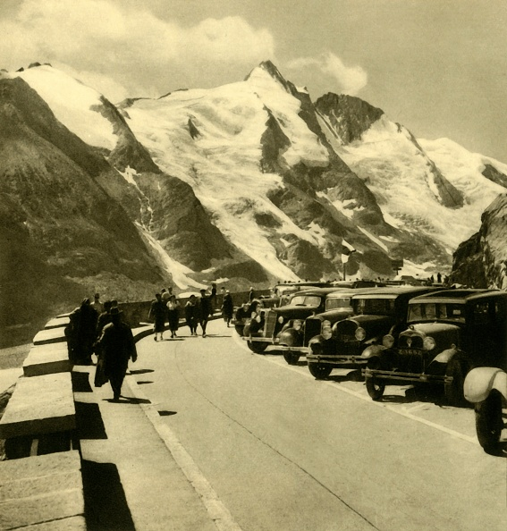 Mountain「The Kaiser-Franz-Josefs-Höhe Look-Out Point On The Grossglockner High Alpine Road」:写真・画像(12)[壁紙.com]