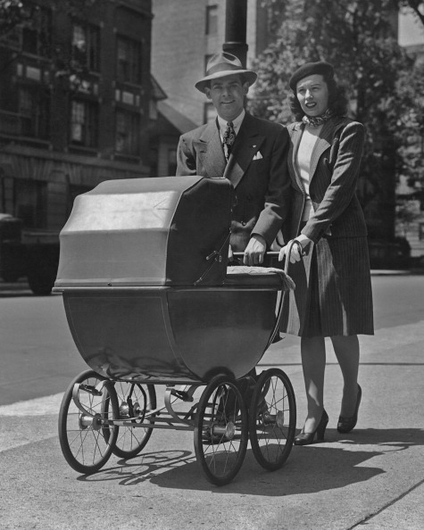 Baby Carriage「Taking Baby For A Walk」:写真・画像(12)[壁紙.com]