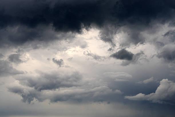 storm-cloud:スマホ壁紙(壁紙.com)