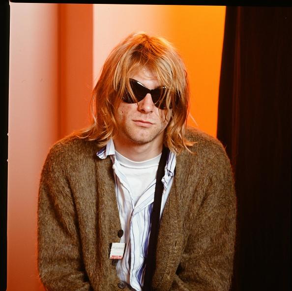 Cardigan Sweater「Nirvana In Japan」:写真・画像(6)[壁紙.com]