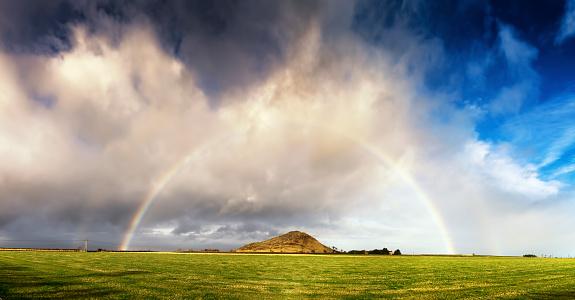 虹「UK, Scotland, East Lothian, rainbow over North Berwick」:スマホ壁紙(11)