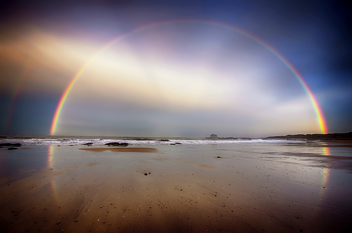 Nature「UK, Scotland, East Lothian, North Berwick beach, rainbow」:スマホ壁紙(2)