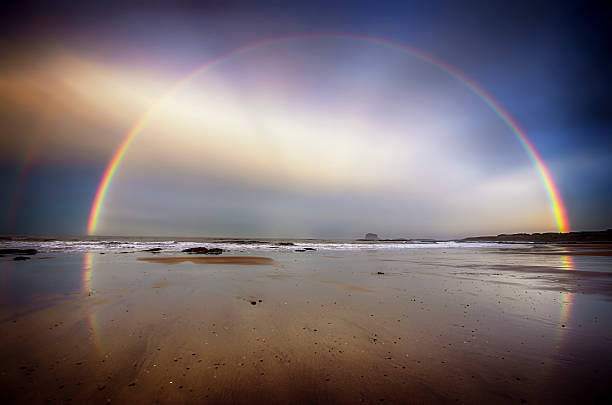 UK, Scotland, East Lothian, North Berwick beach, rainbow:スマホ壁紙(壁紙.com)