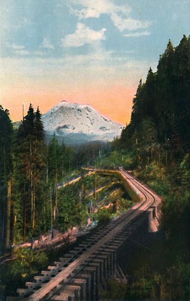 Mountain「Mount Rainier From The C M & P S R R」:写真・画像(19)[壁紙.com]