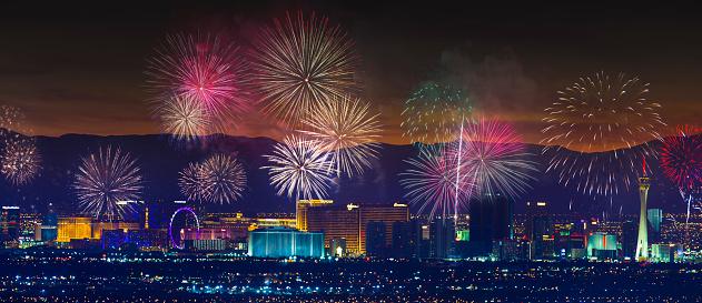 お正月「ラスベガス ストリップ地区の花火大会」:スマホ壁紙(7)