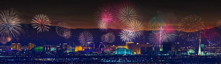 お正月「ラスベガス ストリップ地区の花火大会」:スマホ壁紙(8)