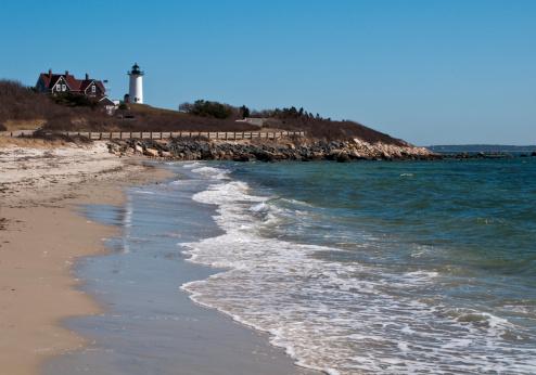 Water's Edge「Gentle Waves at Lighthouse Beach」:スマホ壁紙(12)