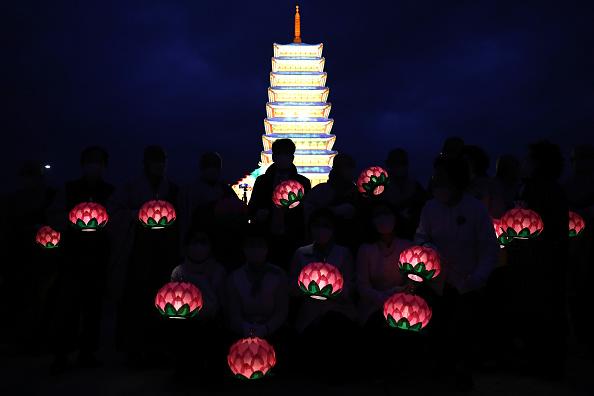 Religion「South Koreans Mark Buddha's Birthday Amid The Coronavirus Pandemic」:写真・画像(19)[壁紙.com]