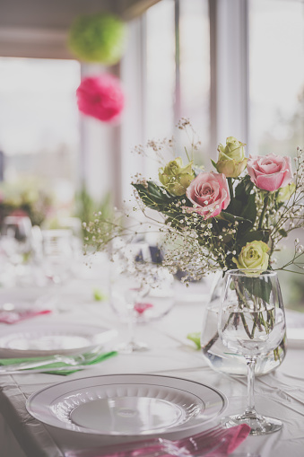 Ceremony「Wedding Birthday Reception Decoration, Chairs, Tables and Flowers」:スマホ壁紙(17)