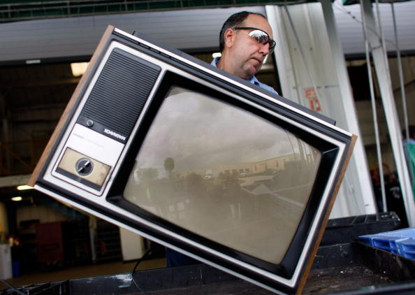 Television Set「Analog Televisions Get Phased Out As US Prepares For Digital TV Conversion」:写真・画像(10)[壁紙.com]