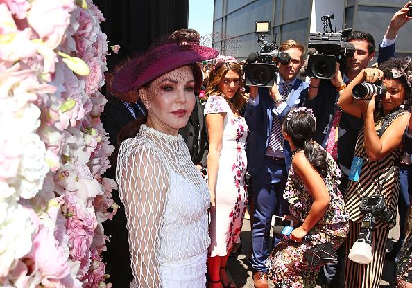 Crown Oaks Day「Celebrities Attend Oaks Day」:写真・画像(15)[壁紙.com]