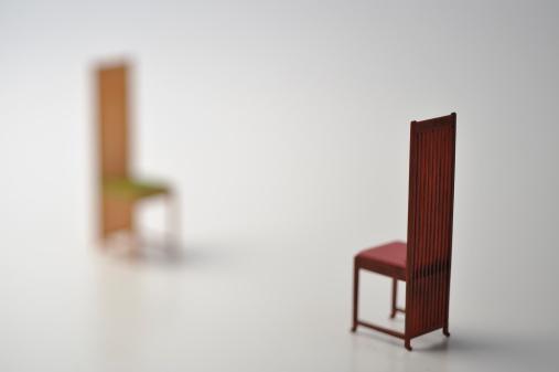 Intelligence「Two miniature chairs」:スマホ壁紙(15)