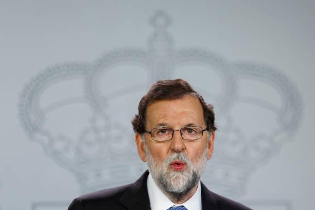 人の役割「Spanish Prime Minister Holds Press Conference Over Catalan Independence Crisis」:写真・画像(4)[壁紙.com]