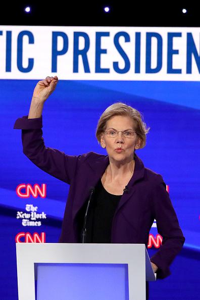 Win McNamee「Democratic Presidential Candidates Participate In Fourth Debate In Ohio」:写真・画像(13)[壁紙.com]