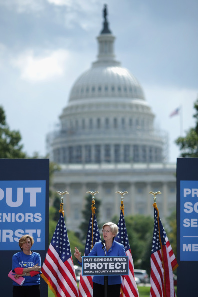 Social Security「Democratic Leaders Address Rally In Support Of Social Security And Medicare」:写真・画像(11)[壁紙.com]
